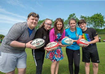 Aileen Campbell with young sport leaders in Glasgow