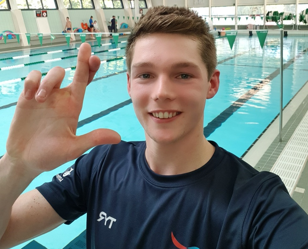 Duncan Scott takes part in the fingers crossed selfie