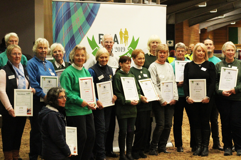 horsescotland volunteers receive awards